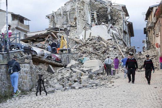 AUMENTA A 73 EL NÚMERO DE MUERTOS POR TERREMOTO EN ITALIA